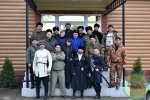 В Ставропольском крае начали обучать девушек-казачек рубить шашкой.